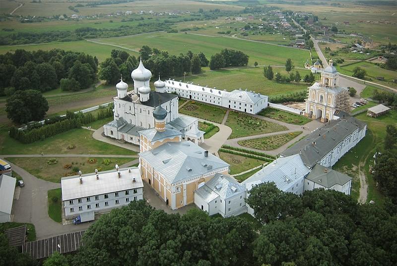 Фото Варлаамо-Хутынского монастыря