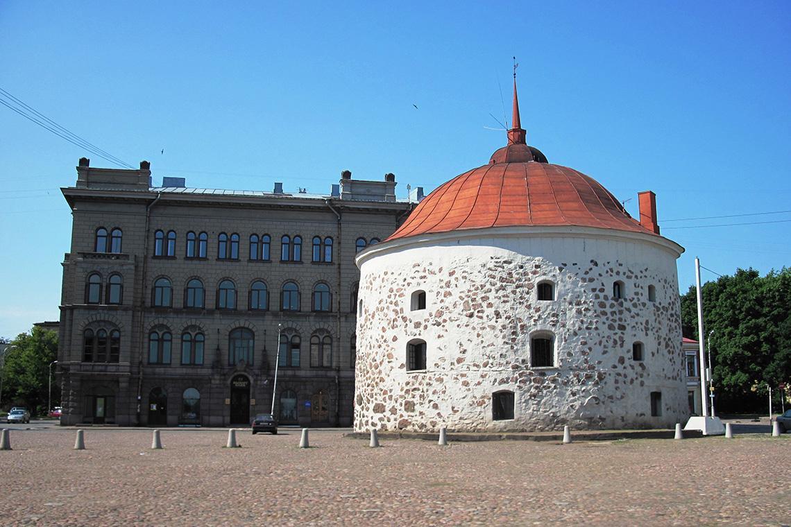 Фото круглой башни